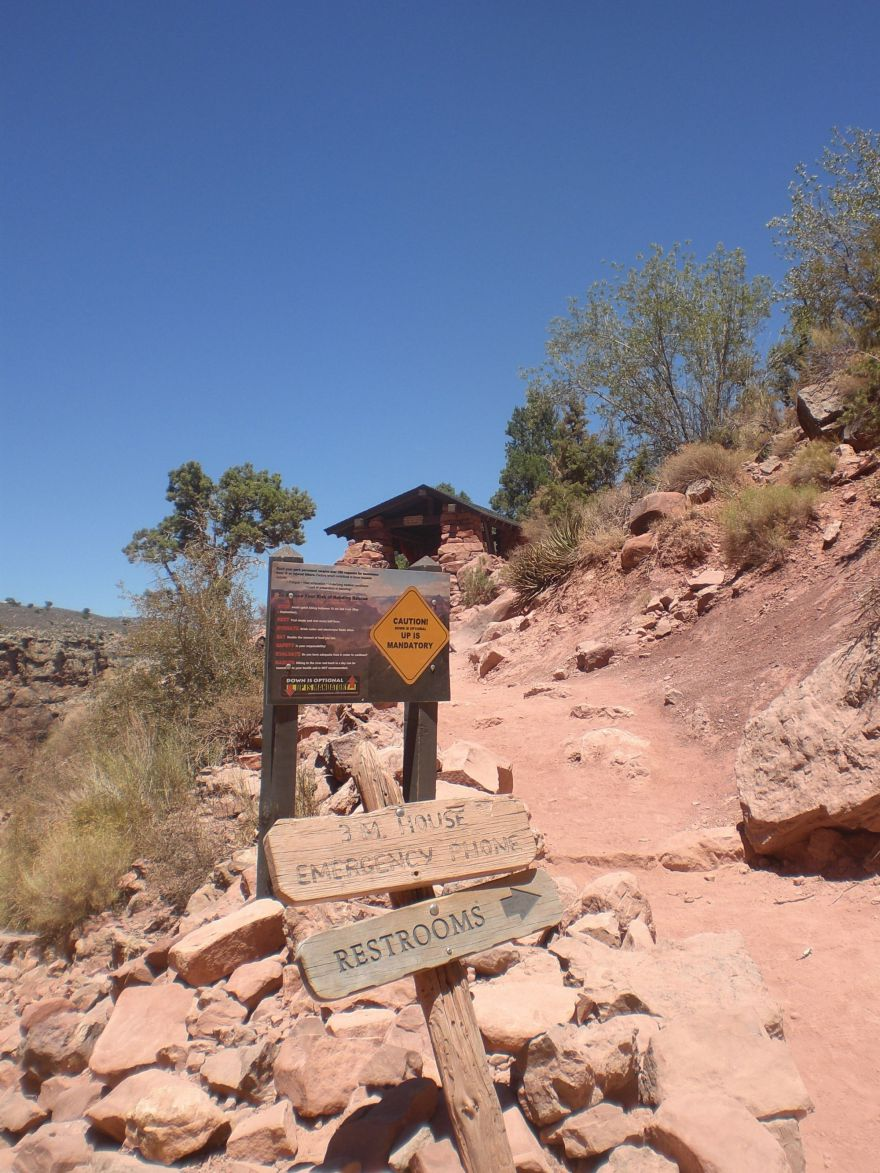 Shelter at the South Kaibab to Bright Angel trail